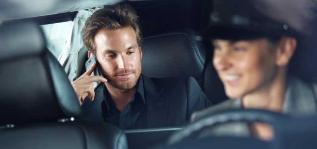 location d'une Limousine noire ou blanche avec un chauffeur